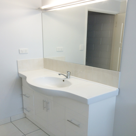 Townsville bathroom and laundry renovations for Bathroom cabinets townsville